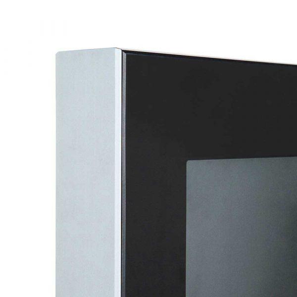 Totem Digital Slim para interiores de Femonsa signs&solutions