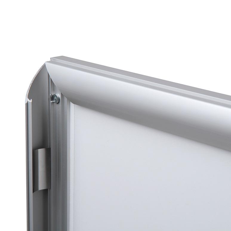 Perfil de 25mm para sujetar grafica y protector, sistema de facil apertura